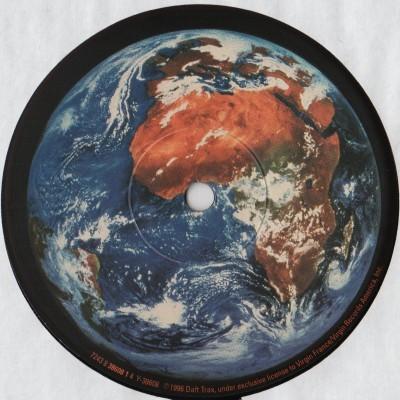 """Daft Punk - Around The World (12"""") vinyl - www.jiggyjamz.com"""